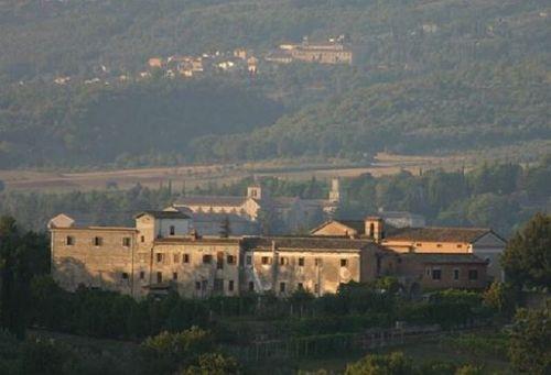 I tre monasteri